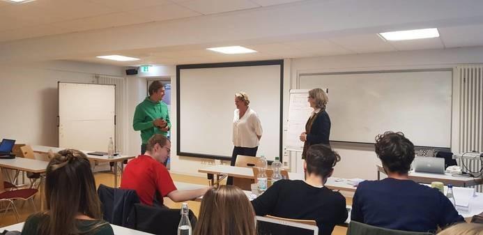 Dozentin für Business Coaching & Persönlichkeitsentwicklung sowie Change Management